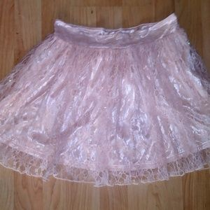 Foever 21 Lace Skirt size Small
